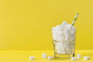 Wpływ cukru na organizm i nowotworzenie - nowy materiał video na kanale YouTube #MójZnakToRak